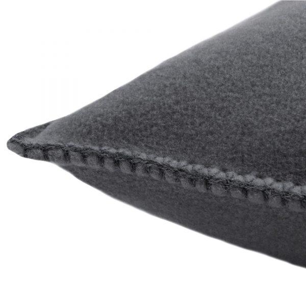 4051244462044-02-zoeppritz-weicher-soft-fleece-kissenbezug-50x50-titan-grau