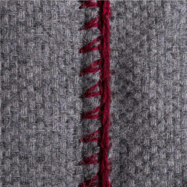 4051244516105-03-must-stitch-too-zoeppritz-schurwolle-kissenbezug-40x40-wein-rot