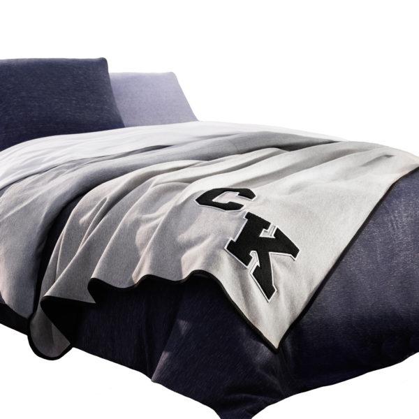 Calvin Klein Home Bettgarnitur Set Bettdecke Kopfkissen GENE, Material Baumwolle Modal, blau
