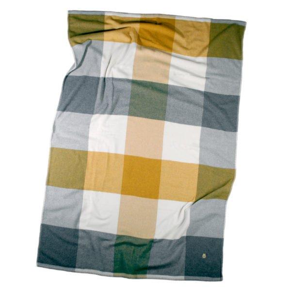 cube zoeppritz schurwoll decke 130x190 safran gelb