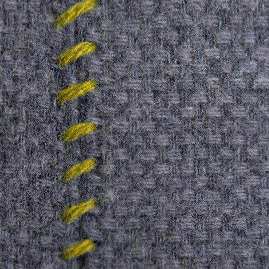 4051244516020-02-must-stitch-zoeppritz-schurwolle-kissenbezug-30x50-curry-gelb