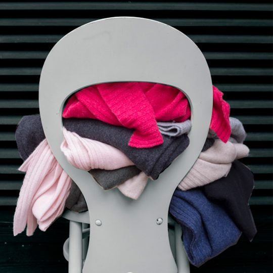 4051244503655-04-hot-zoeppritz-cashmere-schal-110x150-grelles-pink