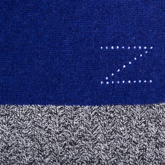 4051244516587-04-hot-block-zoeppritz-cashmere-schal-110x155-royal-blau