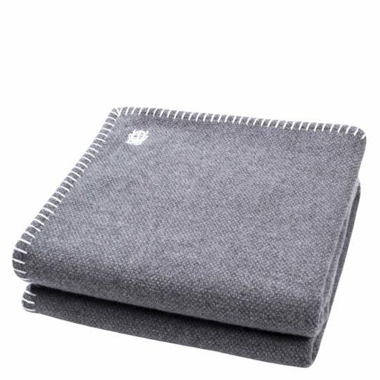 4051244515955-00-must-stitch-zoeppritz-schurwolle-decke-150x200-dunkles-weiss