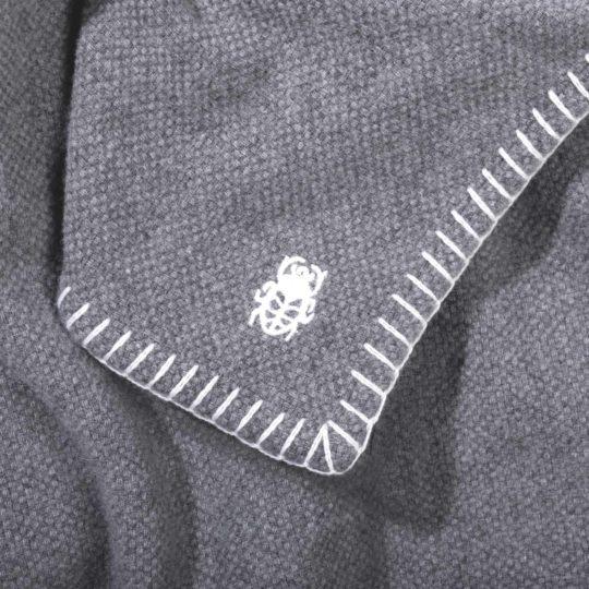 4051244515955-03-must-stitch-zoeppritz-schurwolle-decke-150x200-dunkles-weiss