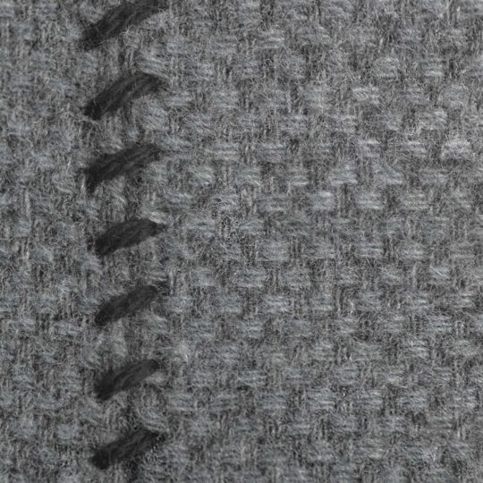 4051244516051-03-must-stitch-zoeppritz-schurwolle-kissenbezug-30x50-schwarz-