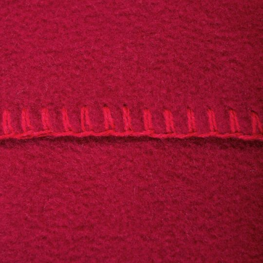 4051244516525-03-zoeppritz-weicher-soft-fleece-kissenbezug-40x40-erdbeer-rot