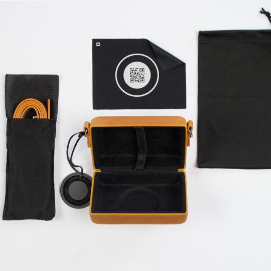 Camera Clutch orange