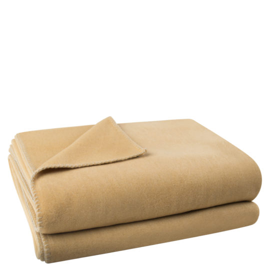 Flauschige Decke fuer Sofa und Couch, camelfarben in 110x150cm, zoeppritz Soft-Fleece